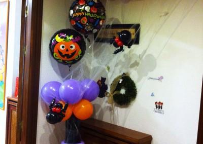Columna Halloween y guirnalda.