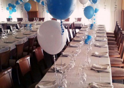 Centros de mesa con burbujas.