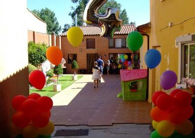 Arco arcoiris para cumple de 4 años.