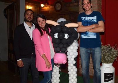 Escultura de vaca para el lanzamiento del licor Güela Manuela